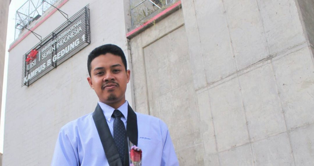 Eky Masbuchin, Akhiri Sejarah di UISI sebagai Wisudawan Lulusan Terbaik
