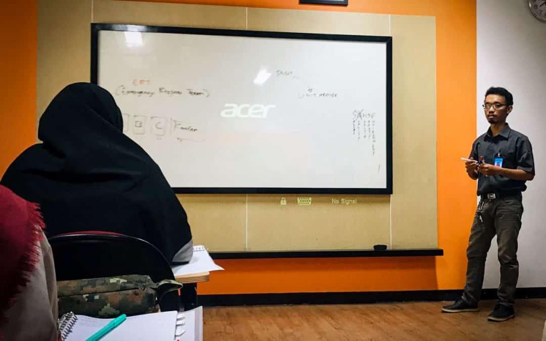 Belajar Bersama Alumni, Amry Aminuzal Alumni MR Ajarkan Tentang Penerapan Prinsip K3 di Konstruksi dari Pengalamannya